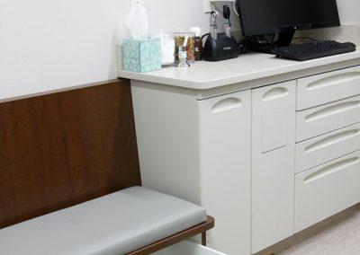 Careanimalhospital_Examroom2